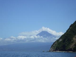 富士山が顔を出した!